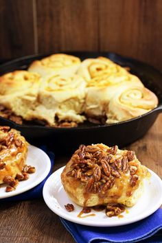 Pumpkin pecan sticky buns are perfect for a fall brunch! // savvyeat.com