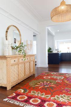 Interiér v retro štýle 60. rokov s boho prvkami. F... | DOMA.SK Stylus, Retro, Ikea, Rugs, Home Decor, Homemade Home Decor, Style, Ikea Ikea, Types Of Rugs