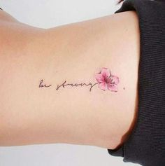 50 Arm Floral Tattoo Designs for Women 2019 - Page 19 of 50 - Flower Tattoo Designs - Minimalist Tattoo Pretty Tattoos, Unique Tattoos, Beautiful Tattoos, Incredible Tattoos, Floral Tattoo Design, Flower Tattoo Designs, Small Flower Tattoos, Small Tattoos, Pastell Tattoo