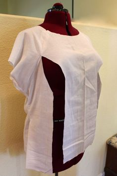 Full-bust adjustment on Sewaholic Belcarra Blouse.  Notice the raglan sleeves