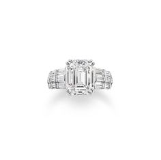 In October 2013, Harry Winston launched its new bespoke Ultimate Bridal Collection service, with classic designs such as this one on show, which are intended to inspire you to create something unique.