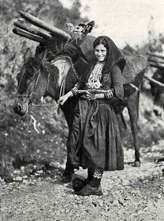 National Geographic: Stories of Animals, Nature, and Culture Old Pictures, Old Photos, National Geographic, Once Upon A Time, Greek Traditional Dress, Old Greek, Greece Photography, Greek History, Great Photographers