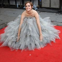 2 of my faves: Emma Watson in Oscar de la Renta's