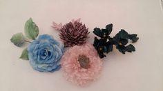 Llega la primavera y el atelier se llena de flores para los tocados.