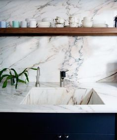 TRENDING - WHITE MARBLE: HOW TO GET A SLAB OF THE PIE / Get started on liberating your interior design at Decoraid (decoraid.com).