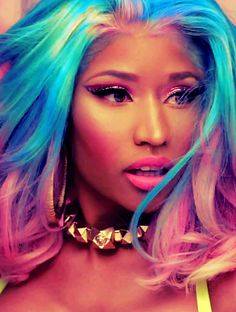 Omg I love her hair and love that song_Danyale