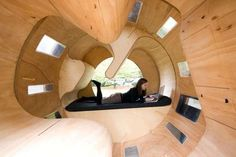 Revolving Cylindrical Abodes - The 'Roll It' Experimental House Offers a Fresh Take on Modern Homes (GALLERY)