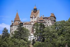 Sometimes it's easy to understand how legends of hauntings get started. These towering, incredible castles and mansions look like they should contain spirits — and each one has a fantastic ghost story to go along with it.