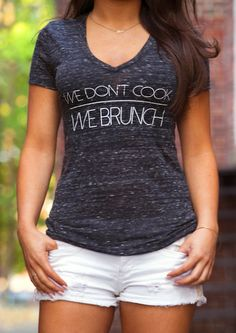 tee: brunched babes. – Greeving Cards
