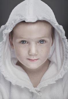 Angel by Ruadh DeLone, via 500px