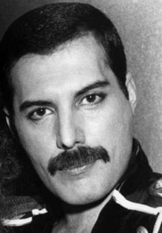Freddie Mercury and Mary Austin Queen Lead Singer, I Want Him Back, King Of Queens, Queen Freddie Mercury, Queen Band, John Deacon, Girl Bands, Music Artists, Rock And Roll