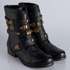 BT 0083 - bota em couro atanado com detalhes de metais nas tiras. possui fechamento de zíper na lateral e saltinho de madeira #coloridoviamia