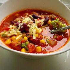 Tacosuppe opskrift - Super lækker suppe inklusiv opskrift på tacokrydderi Tacos, Tex Mex, Mexican Food Recipes, Ramen, Chili, Soup, Yummy Food, Supper, Blog