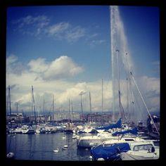 """Jet de l'eau #genf #geneva #switzerland #pretty"" Geneva Switzerland, San Francisco Skyline, Pretty, Travel, Geneva, Viajes, Destinations, Traveling, Trips"