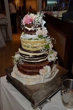 Gola torta iz Poco loco-a - naked cake  novi trend u svetu i kod nas. Hvala Vesna Radovanovic na fotografiji! #nakedcake #gola_torta, #pocoloco, #svadba, #cake, #torta