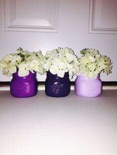 Conjunto de 3 pintados frascos de pedreiro pequena bola.  Tons de roxo frascos de pedreiro.  Decoração do casamento roxo.  A decoração da casa roxo.