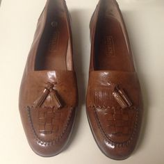 Peter Lord Mens 9-1/2M Brown dress shoe. Peter Lord Mens Leather Dress Shoes. Brown 9-1/2M. Excellent shape, worn once for wedding. Made in Italy. Peter Lord Shoes Flats & Loafers