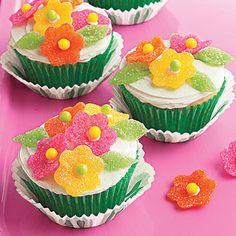 Gumdrop and Jellybean Flower Cupcake Toppers · Edible Crafts   CraftGossip.com