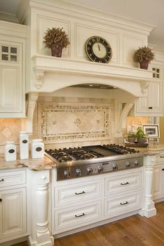 32 Best Antique White Kitchen Cabinets - Decor Home Ideas - 32 Best Antique White Kitchen Cabinets Antique White Kitchen With Art Stove - Home Decor Kitchen, New Kitchen, Home Kitchens, Kitchen Tiles, Tuscan Kitchens, Awesome Kitchen, Kitchen Stove Design, Tuscan Kitchen Decor, Kitchen Vent Hood