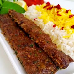 Kebab Kobideh- Persisk kebab - ZEINAS KITCHEN Kebab Wrap, Quick Chicken Curry, Iran Food, Zeina, Digestive Biscuits, One Pan Meals, Kabobs, Family Meals, Delish