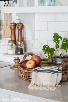 Tour the Fall Kitchen of The Lilypad Cottage The Best of home decor ideas in - Interior Design Ideas for Modern Home - Interior Design Ideas for Modern Home Kitchen Vignettes, Fall Vignettes, Fall Home Decor, Autumn Home, Fall Kitchen Decor, Kitchen Ideas, Home Design, Design Ideas, Design Inspiration