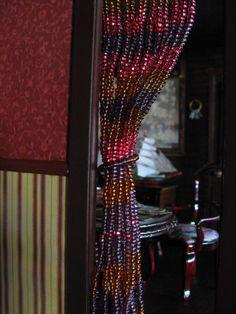 1000 id es sur le th me rideaux de perles sur pinterest rideaux de perles rideaux et rideaux. Black Bedroom Furniture Sets. Home Design Ideas