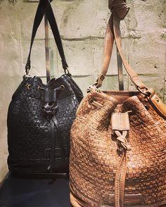 185 отметок «Нравится», 4 комментариев — LIEBESKIND Berlin US (@liebeskind_us) в Instagram: «Done deal 👉 it's in the bag!   The Renee Bag   #fashion #leatha #newcollection #newstyle #nextlevel…»