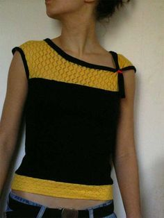French site with tutorial for how to create this cute knit shirt.