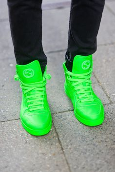 1000 images about gucci on pinterest gucci sneakers neon and neon sneakers. Black Bedroom Furniture Sets. Home Design Ideas