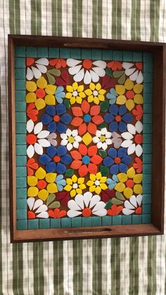 Mosaic Garden Art, Mosaic Tile Art, Mosaic Glass, Mosaic Furniture, Gallery Wall Layout, Mosaic Flowers, Mosaic Projects, Christmas Images, Pebble Art