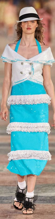 Chanel Fashion Show Details Crucero 2017