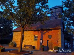 Morgens gegen 5 Uhr in Bülten Cabin, Mansions, House Styles, Home, Decor, Landscape, Clock, Decoration, Manor Houses