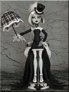 Google Image Result for http://th00.deviantart.net/fs70/PRE/i/2012/168/c/4/ooak_victorian_goth_monster_high_doll_by_kriskreations-d53pw1d.jpg
