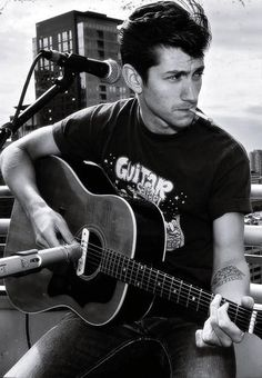 Alex Turner. Arctic Monkeys. @Aliceson Waller ... I think I may love him!!!