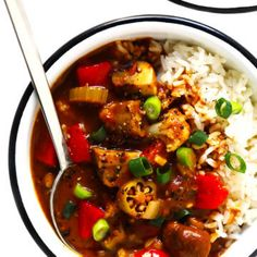 This Vegetarian Gumbo Recipe Is Easy To Make, It's Made With Lots Of Hearty Veggies, And Full Of The Best Zesty Creole Flavors. Don't hesitate To Serve This Gumbo Recipe Over Rice, Quinoa, Noodles Or Whatever Sounds Good Vegetarian Gumbo, Vegetarian Recipes, Healthy Recipes, Healthy Soups, Vegan Soup, Delicious Recipes, Yummy Food, Seafood Gumbo, Gimme Some Oven