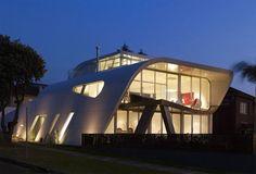 Beautiful Design of Moebius House in Sydney