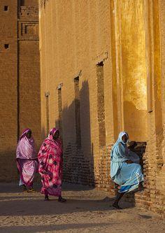 Women Going Inside Khatmiyah Mosque, Kassala, Sudan