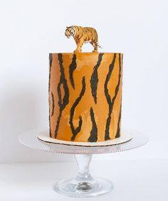 Birthday cake for my eldest! My boy turns six today! His request was a tiger cake? Vanilla cake with sprinkles and a strawberry Strawberry Muffins, Strawberry Frosting, Strawberry Desserts, 5th Birthday Cake, Birthday Ideas, Tiger Cake, Striped Cake, Cakes For Boys, Creative Cakes