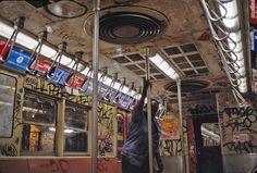 37 Rare and Beautiful Images of the NYC Subway in the New York Subway, Nyc Subway, Subway Art, New York Graffiti, Graffiti Writing, Horror House, Art Images, Beautiful Images, New York City