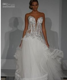 I love Pnina Tornai wedding gowns. If I become as successful as I hope to  be 4a7d2cb8f9fa