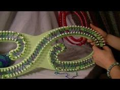 ▶ ORIGINAL Serenity Loom - How to figure 8 stitch/Loom Review - YouTube