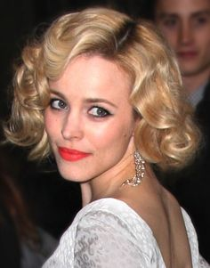 Rachel McAdams. Old Hollywood Style wavy bob.