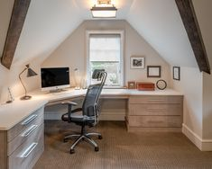 26 Ideas Home Office Corner Desk Diy Built Ins Attic Office, Home Office Desks, Home Office Furniture, Office Art, Attic Bedroom Designs, Attic Design, Rustic Home Offices, Best Ergonomic Chair, Rustic Desk