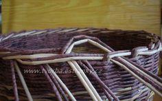 Recycle Newspaper, Newspaper Basket, Paper Weaving, Hand Weaving, Old Paper, Basket Weaving, Sewing, Knitting, Pattern