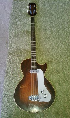 Dallas Tuxedo bass from late 1959