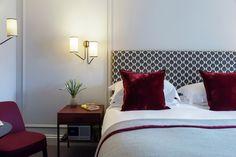 Deluxe-bedroom-Old-Parsonage-Hotel