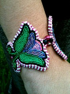Beaded flower bracelet Crystallena Price on FB