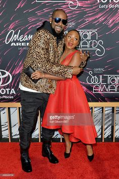 Recording artist R. Kelly and actress Naturi Naughton attend the 2015 Soul Train Music Awards at the Orleans Arena on November 2015 in Las Vegas, Nevada. Train Music, Soul Train, Music Awards, Nevada, Las Vegas, November, Celebs, Actresses, Artist