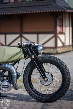 Custom Bobber, Custom Motorcycles, Custom Bikes, Cars And Motorcycles, Bobber Style, Cafe Racer Style, Tomos Moped, Cx 500, Best Photo Background