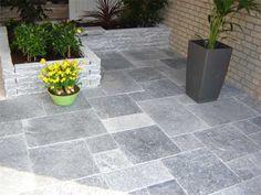 Natuursteen Tegels Tuin : Natuursteen antraciet in tuin natuursteen keukens badkamers en